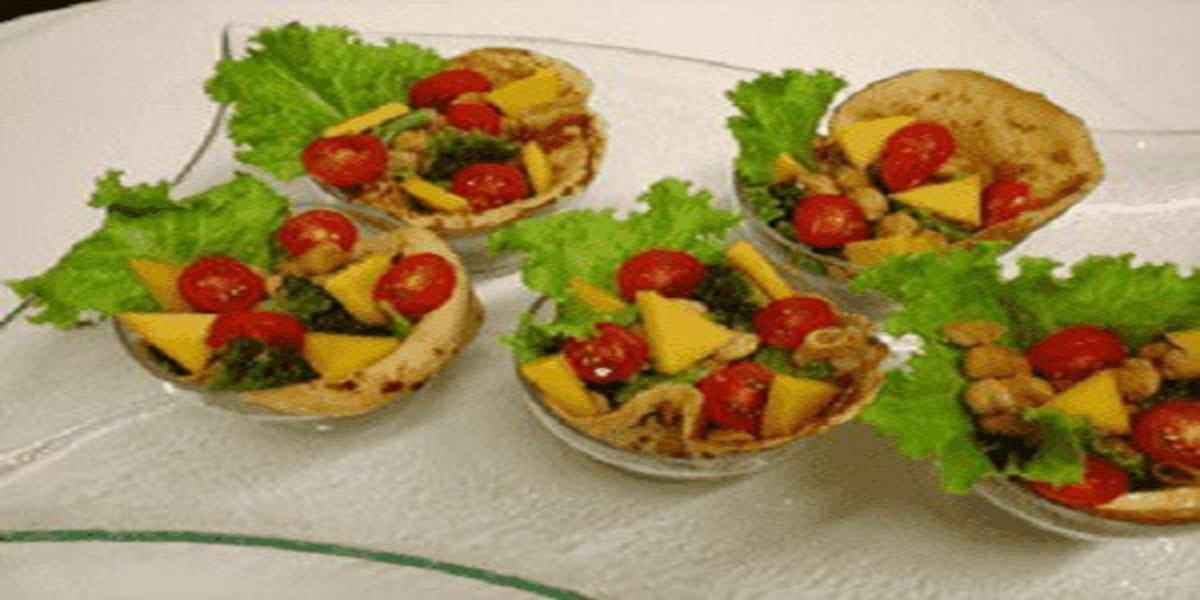 Salada de Panqueca com Grão-de-Bico