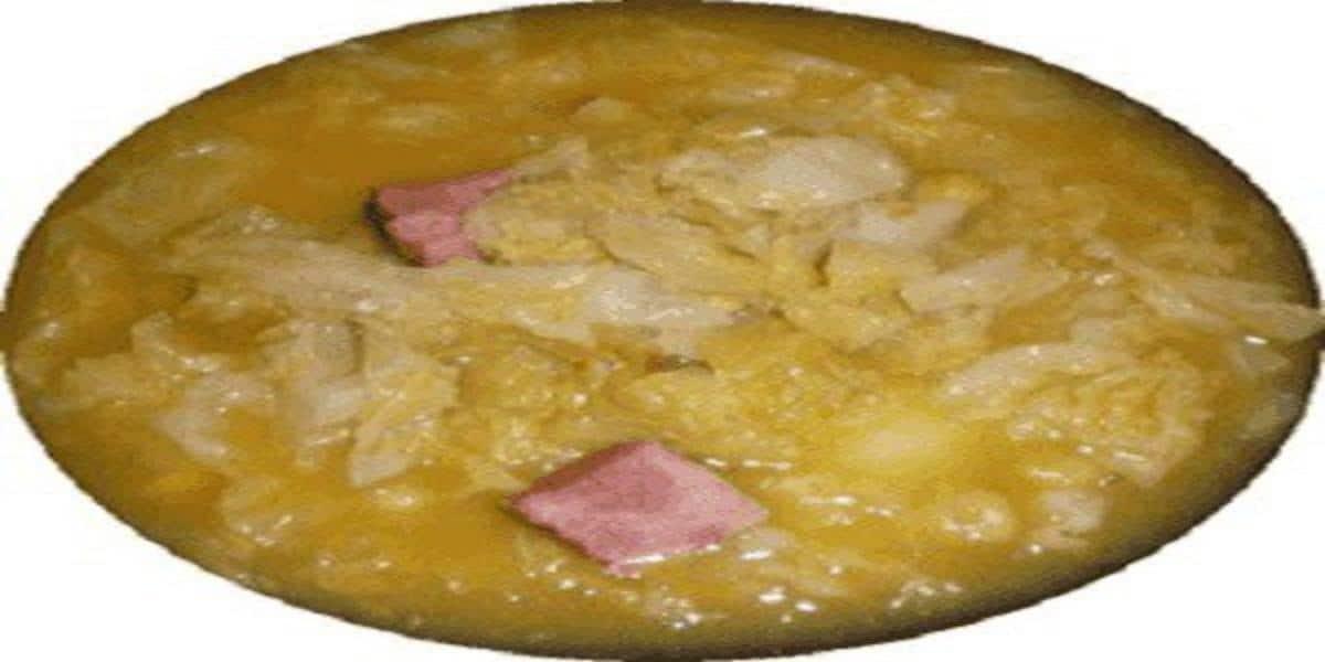Sopa de Grão com Couve Lombarda