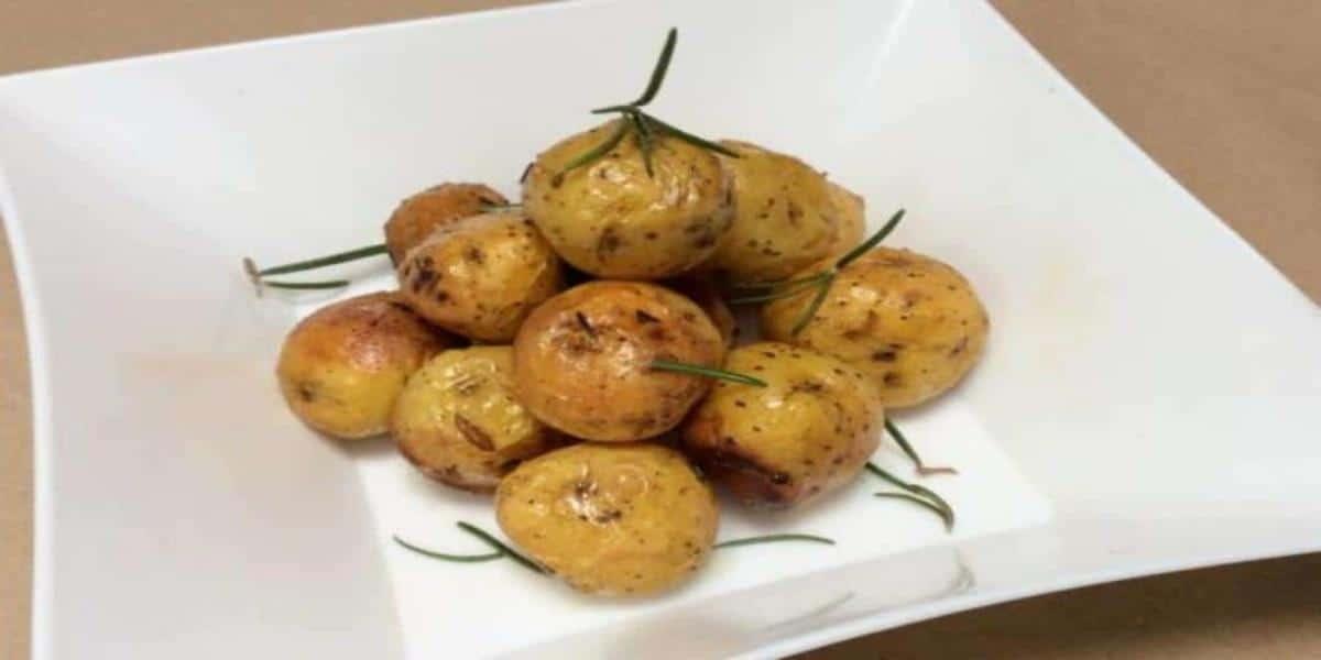 Batatas Assadas no Forno com Ervas Aromáticas