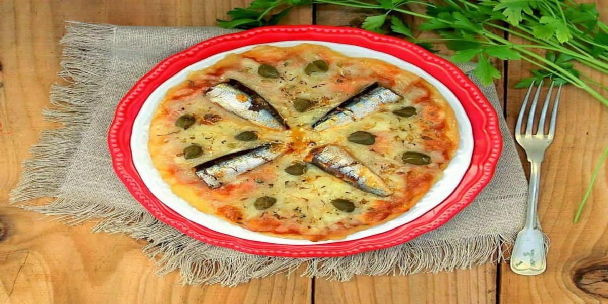 Pizza de Petingas em Escabeche