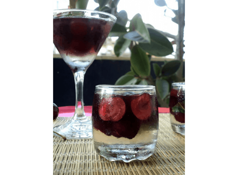 Gelatina de Vodka com Cerejas