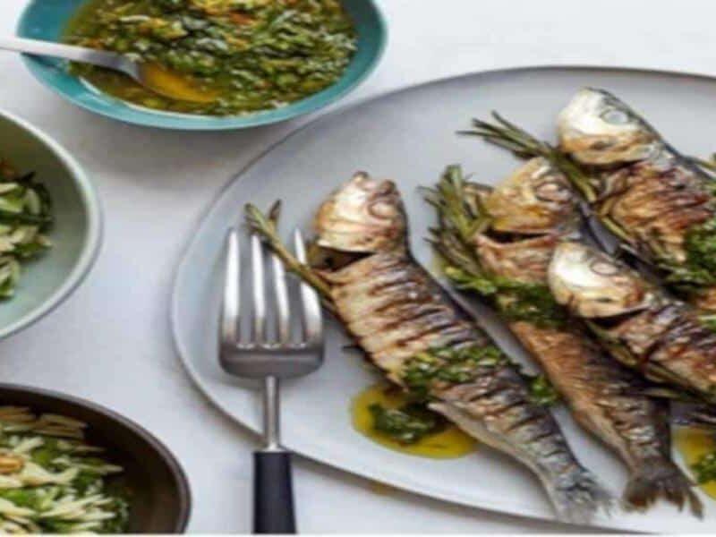 Salada de Massa com Sardinhas Grelhadas